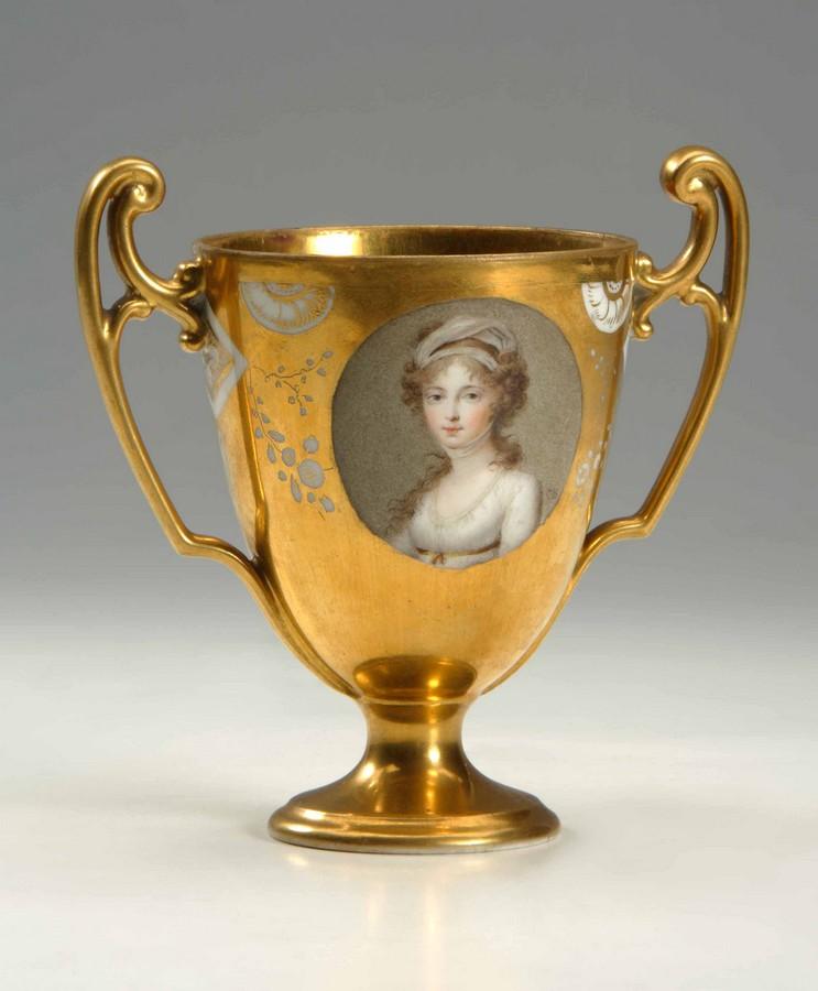 Чаша с портретом императрицы Елизаветы Алексеевны