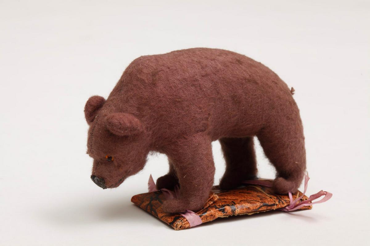 Игрушечный мишка, принадлежавший Андрею Белому
