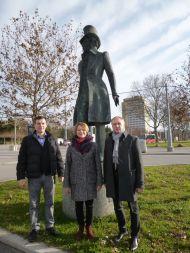 Директор ГМП Евгений Богатырев у памятника А.С. Пушкина в Вене, Австрия.
