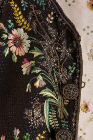 Мужской комзол. Полихромная вышивка шелком по бархату на атласной основе. Франция, около 1820 г.