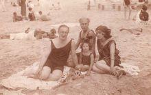 Андрей Белый на пляже в Свинемюнде